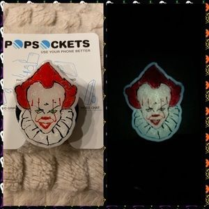 Glow in the dark pennywise popsocket